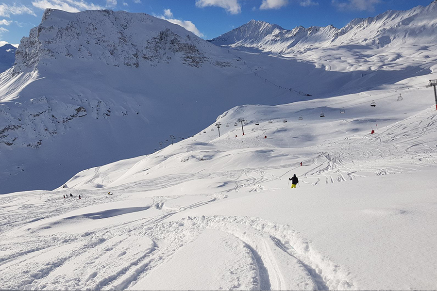 Off piste in Val d'Isere