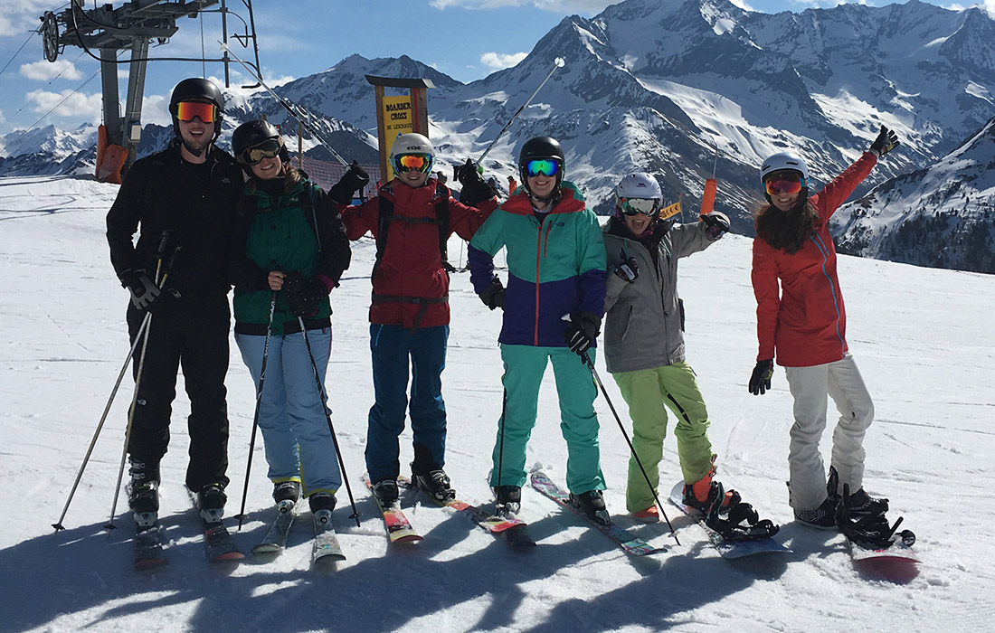 You ll have no problem packing for spring skiing with our handy spring skiing  checklist. Haven t booked your ski holiday yet  Take a look at our last  minute ... bf4f5a79e